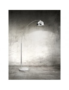 PERENZ: Lampada piantana con corpo in cromo lucido e base in marmo in offerta
