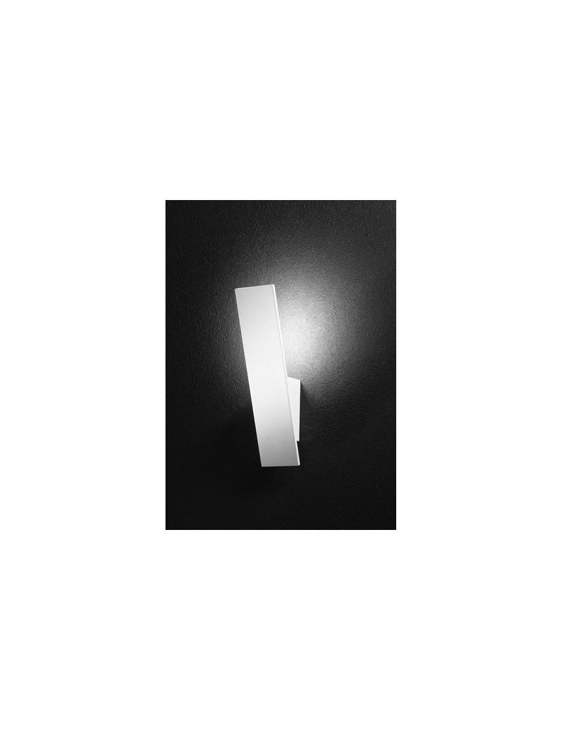 PERENZ: Applique LED in metallo bianco forma particolare in offerta