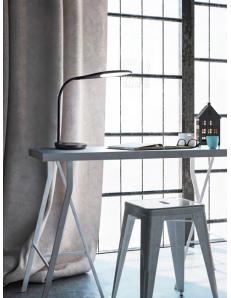 PERENZ: Ego lampada da tavolo nera LED carica batterie wireless e porta USB in offerta